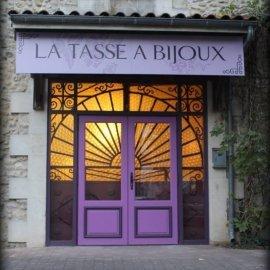 la_tasse_a_bijoux_thm