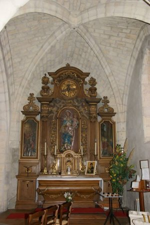 Autel dédié à la Vierge